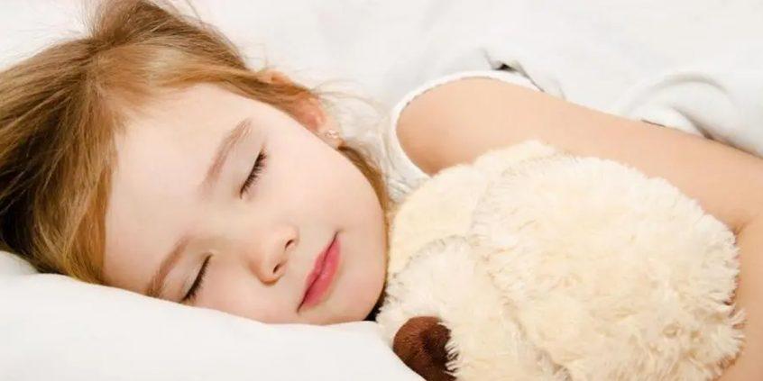 /por-que-o-sono-e-tao-importante-para-as-criancas/